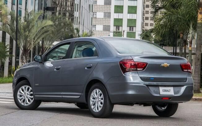 Chevrolet Cobalt: apesar de estar em 35º lugar no ranking, é o sedã mais vendido numa categoria que só tem ele e o Honda City, mas sofrerá ataque do Virtus.