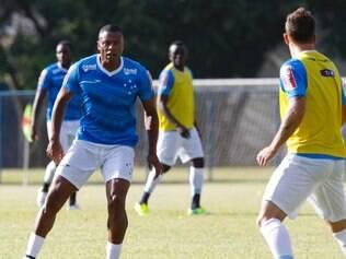 Júlio Baptista marcou o único gol do coletivo nesta quarta-feira, na Toca I
