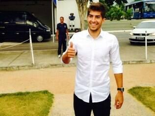 Lucas Silva esteve na Toca da Raposa II para se despedir dos colegas