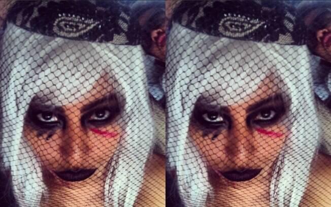 Sabrina Sato com peruca grisalha e maquiagem no estilo Lady Gaga