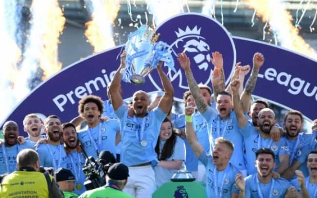 Manchester City levanta a taça da Premier League 2018/19