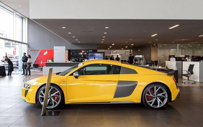 Audi R8 na concessionária em São Paulo onde foram entregues as primeiras unidades do supercarro vendidas em maio último