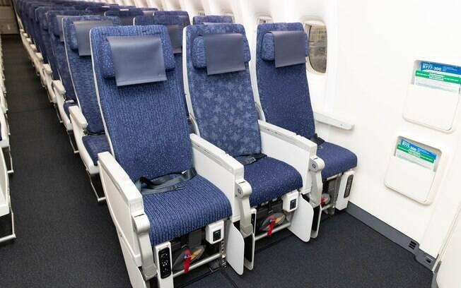 Cada estofamento dos assentos da classe econômica é único, pois as estampas não se repetem em poltronas diferentes