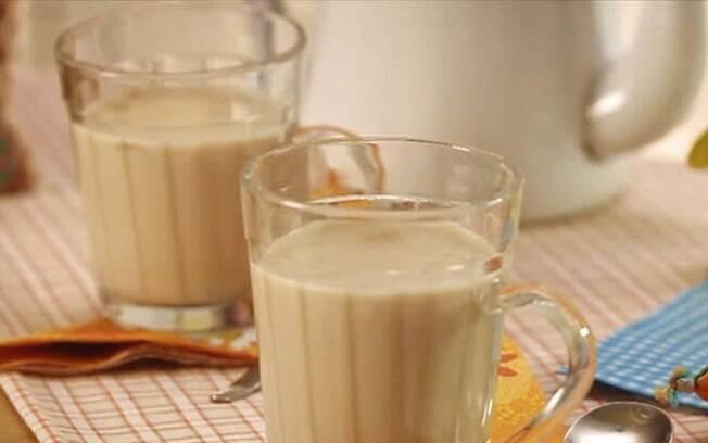 O chá de amendoim é saboroso e fácil de fazer