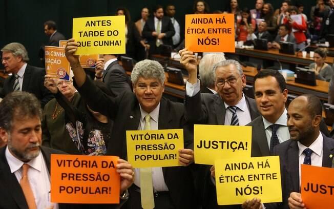 Conselho de Ética aprovou relatório de Marcos Rogério, que defendeu a cassação do mandato de Eduardo Cunha