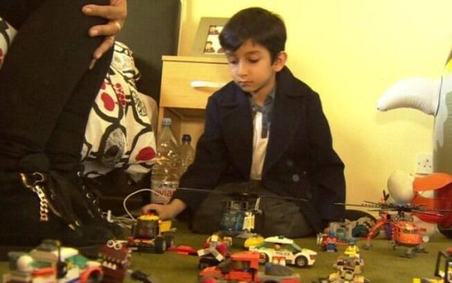 Apesar de seus pais quererem que ele seja o novo Bill Gates, o garoto diz que quer ser piloto