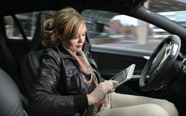 Volvo espera colocar nas ruas carros autodirigidos até 2017