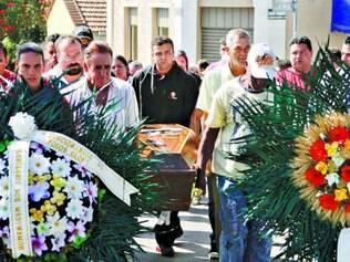 Despedida. Duas vítimas foram sepultadas na cidade