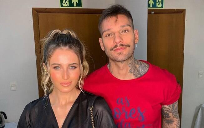 Lucas Lucco e Lorena Carvalho revelam que vão casar