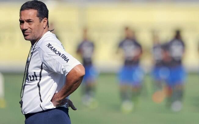 Vanderlei Luxemburgo oagou geral em trabalho  do Grêmio