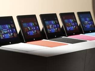 Tablets, como o Surface, e notebooks leves devem impulsionar adoção do Windows 8 no mundo, diz Microsoft