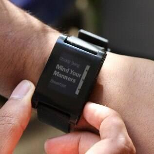 Aplicativos de tocadores de MP3 podem ser controlados por meio do relógio de pulso