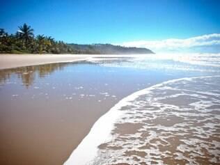 Local apresenta ondas perfeitas para a prática do surfe