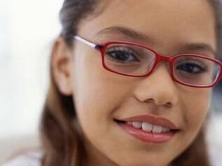 Sinais da miopia costumavam aparecer aos 14 anos, mas hoje chegam aos seis