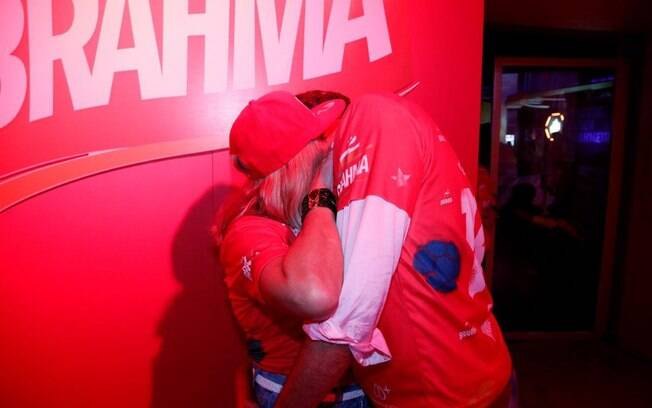 Susana Vieira beija o novo namorado