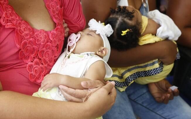 Considerando a longo prazo, o custo com as anomalias causadas pelo vírus zika deverá ser de US$ 10 bilhões no Brasil