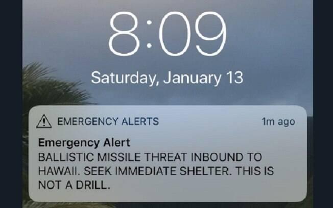 Logo após o recebimento do SMS, norte-americanos e estrangeiros que estão no Havaí publicaram fotos nas redes sociais