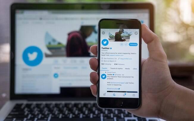 O Twittter é uma das redes sociais, junto com o Facebook, que está na mira do FBI