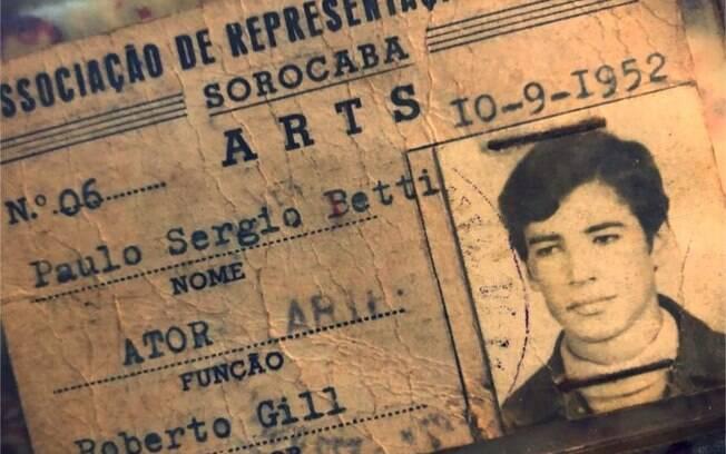 Imagem da carteirinha de Paulo Betti compartilhada por Maria Ribeiro