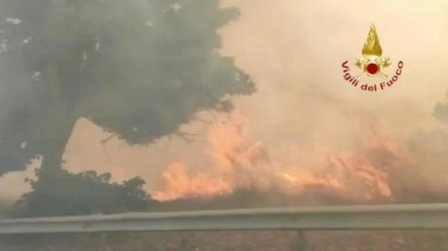 Incêndio florestal na Calábria, sul da Itália