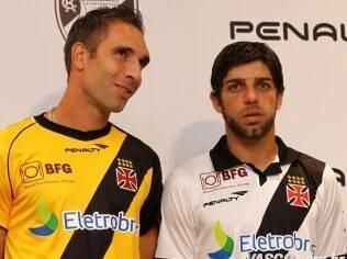 Vasco homenageia campeões de 50 e 98 nos novos uniformes - Futebol - iG c6f1f5848a531