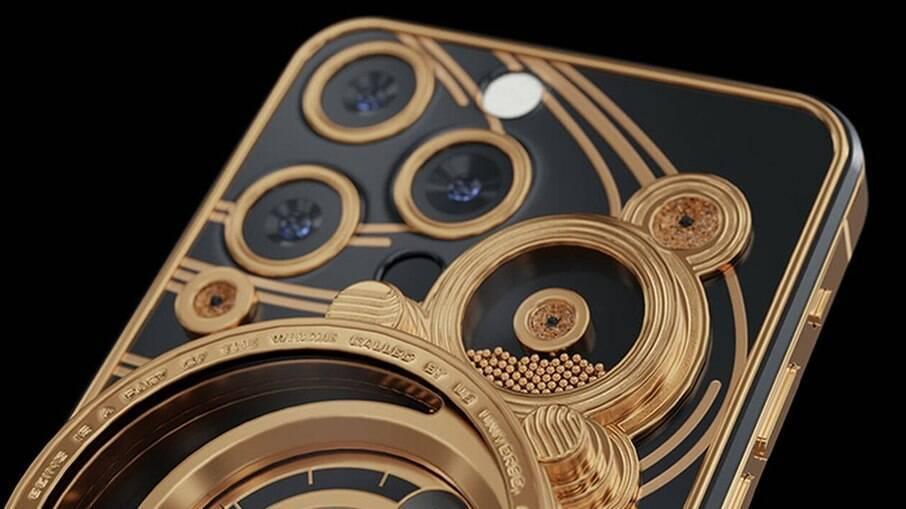 iPhone 13 feito pela marca Caviar