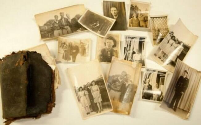Edward Parker deixou, sem perceber, a carteira cair atrás de uma estante medieval em 1950