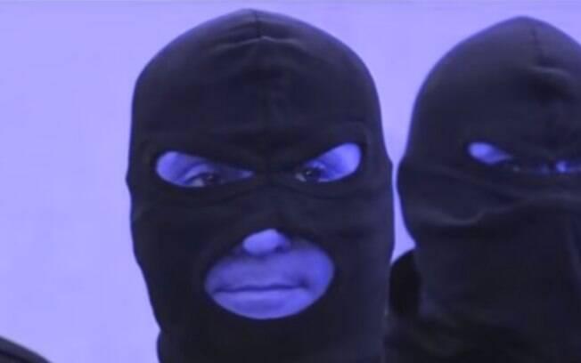 O esquadrão de elite, conhecido como os Catturandi, tenta prender os mafiosos da Sicília