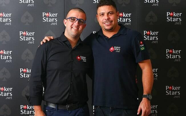 André Akkari, jogador profissional de pôquer e campeão de um evento do WSOP, e Ronaldo