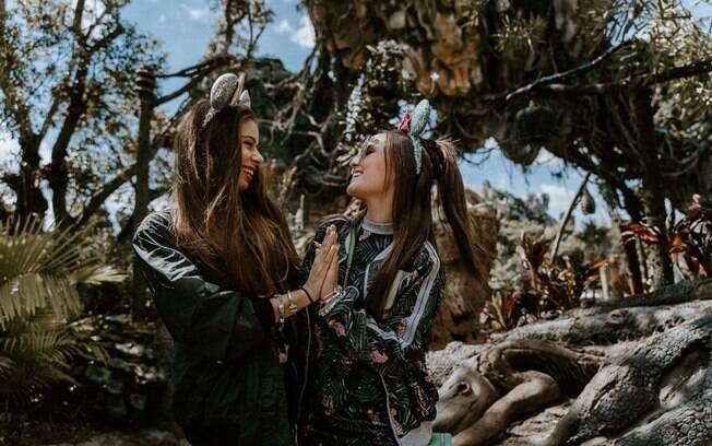 Emilia Pedersen e Larissa Manoela