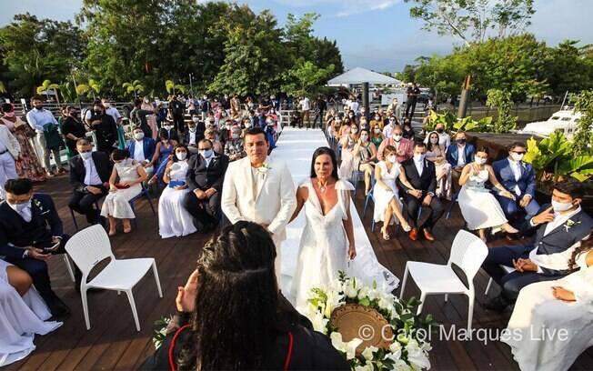 Gretchen se casa com Esdras de Souza