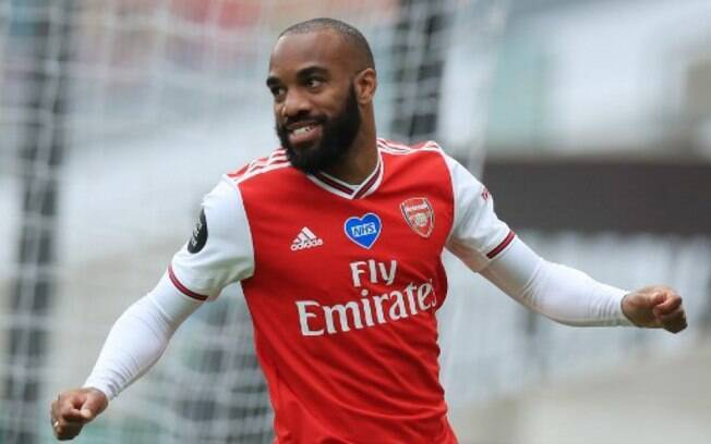 Lacazette vive bom momento no Arsenal, mas não sabe se permanece no clube para a próxima temporada