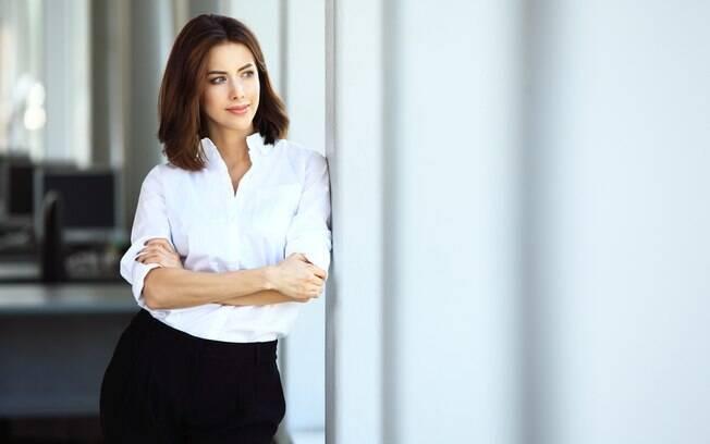 O congelamento de óvulos é buscado por mulheres focadas na vida profissional e que assumem altos cargos no trabalho