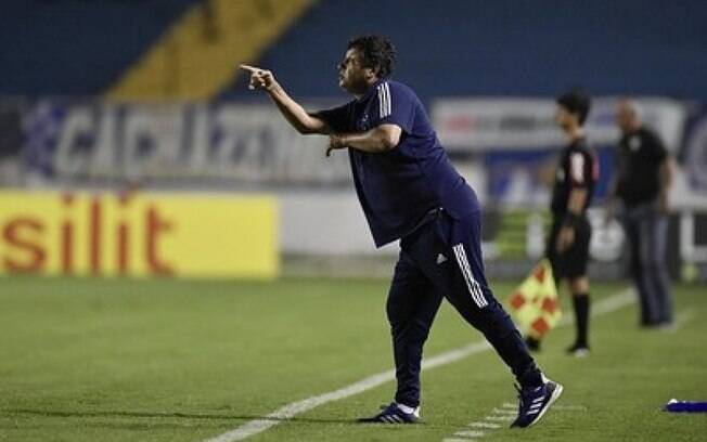 Técnico Adilson Batista permanece no Cruzeiro