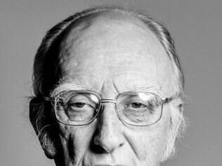 Murphy, que tinha 86 anos, faria o papel de Ser Deny Mallister, o membro mais velho da ordem militar fictícia Night's Watch