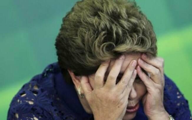 Pressionada pela oposição, por aliados hostis e pelas críticas vindas ruas, a presidente passa pelo pior momento desde que chegou ao Planalto
