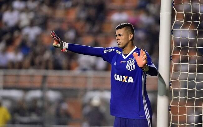 Ivan, goleiro da Ponte Preta, foi chamado para a seleção brasileira