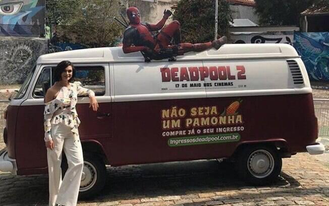 Morena Baccarin em passagem pelo Brasil para a promoção de Deadpool 2