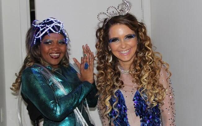 Gaby Amarantos e Claudia Abreu na festa da programação 2012 da TV Globo: criadora e criatura