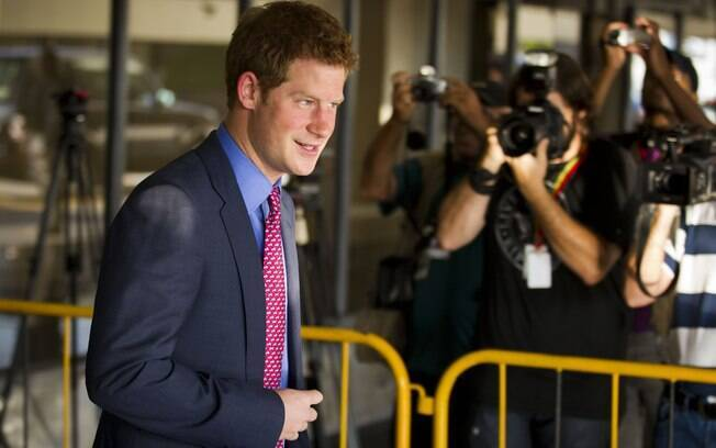 Príncipe Harry desembarca no Rio de Janeiro nesta sexta-feira (9)
