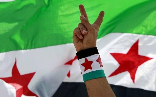 Protesto em Beirute contra a participação do Hezbollah na guerra síria (09/06)