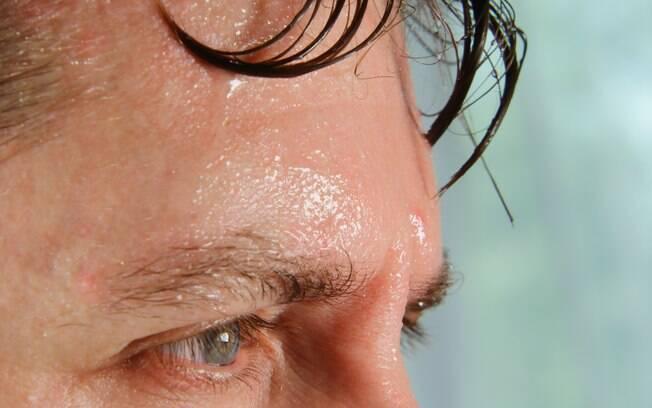 Cada caso de hiperidrose deve ser avaliado individualmente para indicação de um tratamento para a sudorese excessiva