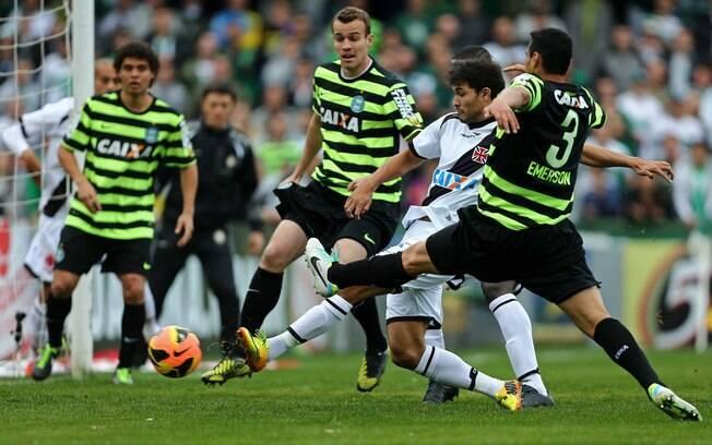 Coritiba estreou o seu terceiro uniforme  contra o Vasco