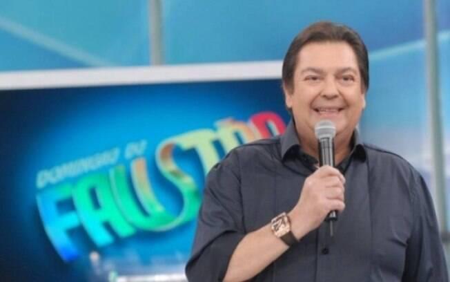 Faustão solta o verbo sobre cenário político do Brasil durante programa