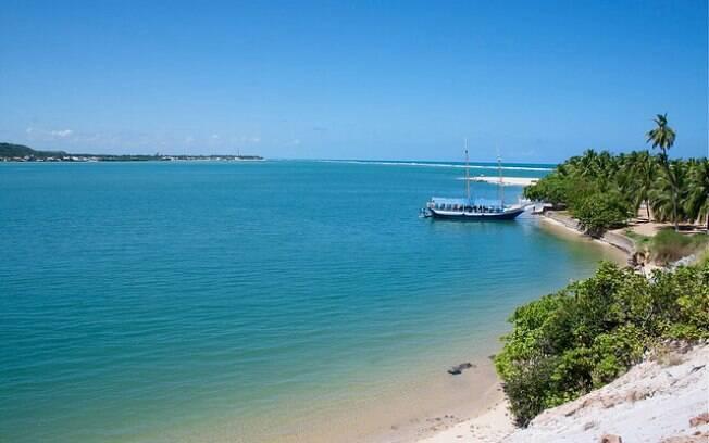 Praia do Gunga é uma das mais procuradas pelos turistas de Alagoas