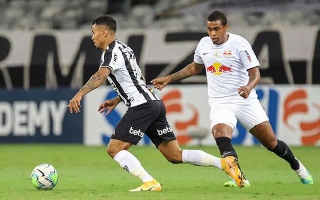 Gol de Savarino definiu o confronto. Réver e Alerrandro também marcaram.