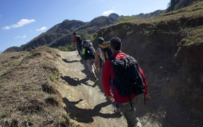 Destinos oferecem passeios como trilha, escalada e outras opções cheias de adrenalina