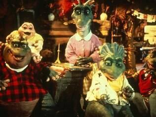 Sucesso dos anos noventa, a sitcom mostra o cotidiano da divertida família de dinossauros