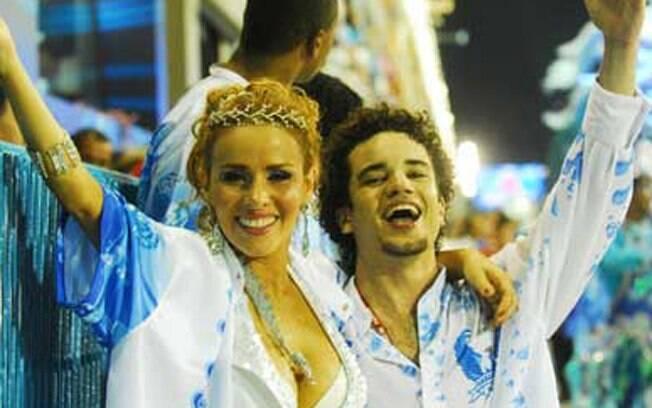 Leona Cavalli e Thiago Mendonça no carnaval de