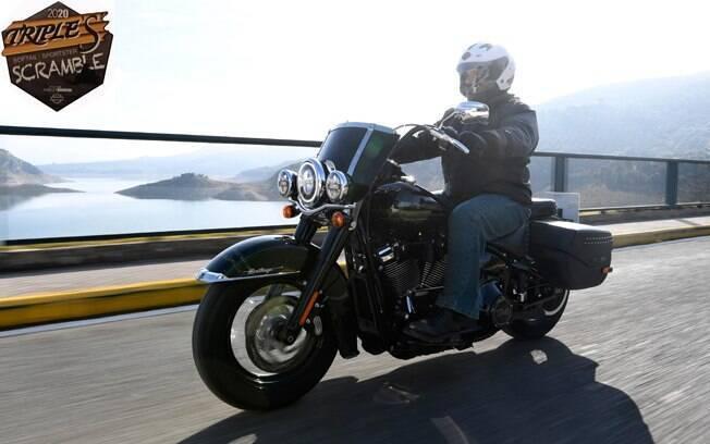A Harley-Davidson Heritage: tem um grande para-brisa, que ajuda bastante até certa velocidade